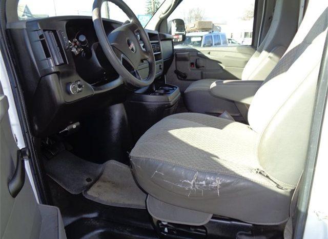 2012 GMC Savana Cutaway 3500 full